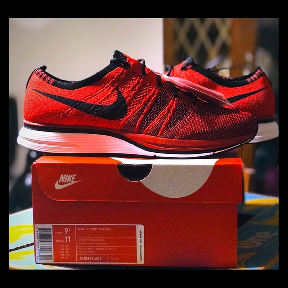 406bdde621bd DS Nike Flyknit Trainer Size 9.5